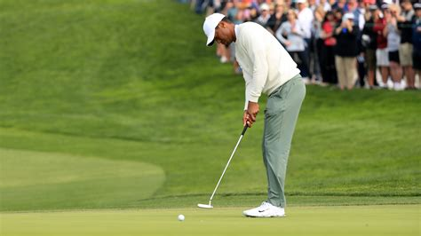 Not one, not two... Tiger Woods begins Round 2 of Farmers ...