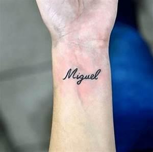 Tatouage Prénom Poignet : tatouage poignet ecriture fine teuk ~ Melissatoandfro.com Idées de Décoration