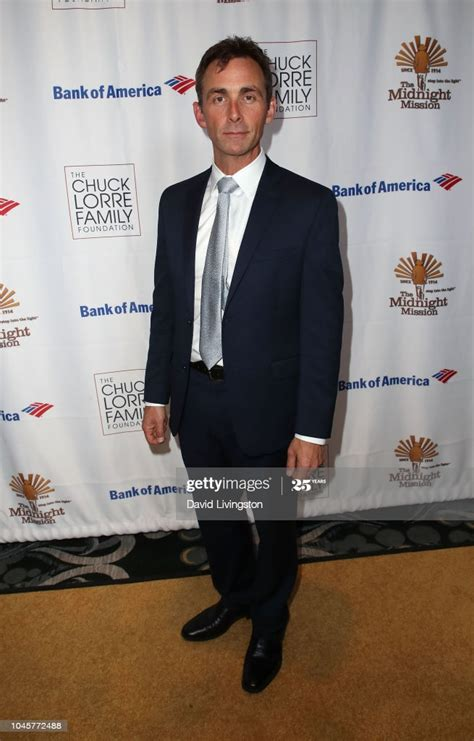 James Patrick Stuart attends the Midnight Mission 18th Annual Golden... ニュース ...