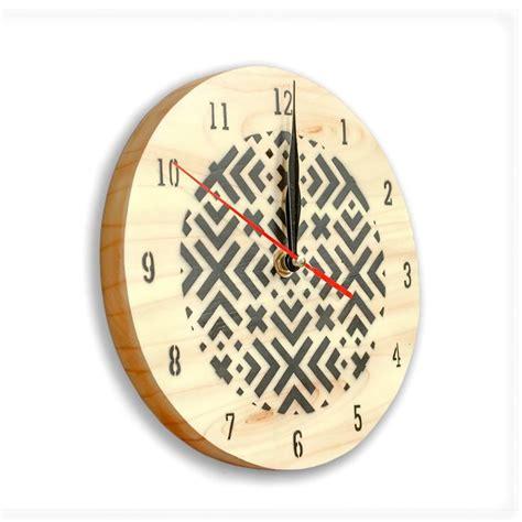 mettre une horloge sur le bureau 1000 idées sur le thème horloge murale originale sur