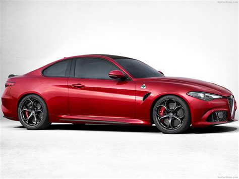The New Alfa Romeo Giulia Looks Predictably Stunning As An