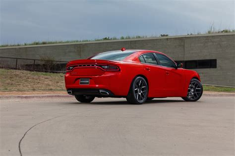 2015 Dodge Charger   AmcarGuide.com   American muscle car