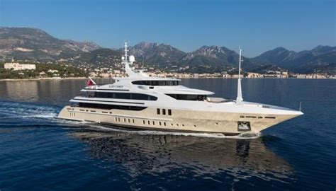 Lade Di Lusso by Yacht Di Lusso Benetti 56 Metri Lussuosissimo
