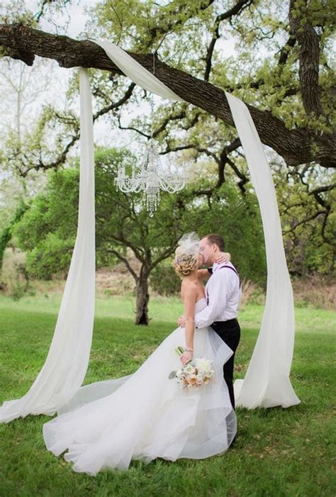 Tree Photo Backdrop by Top 20 Wedding Tree Backdrops And Arches Roses Rings