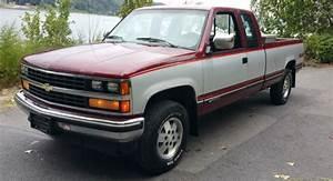 1989 Chevrolet Silverado 2500 4x4 94 000 Miles  Clean