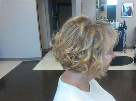 curled bob mother bride short hair wedding style
