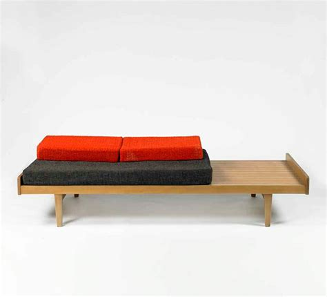 chaise tv paulin paulin daybed for meuble tv c1953 bedded