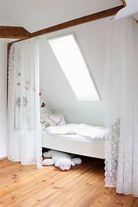 Bett Unter Dachschräge : interessant vorh nge dachschr ge vorhang youtube home design ~ Lizthompson.info Haus und Dekorationen