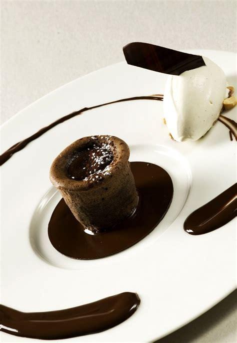 decoration moelleux au chocolat assiette a dessert