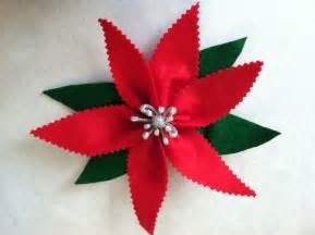 rebecca s round up super quick easy christmas craft felt poinsettas
