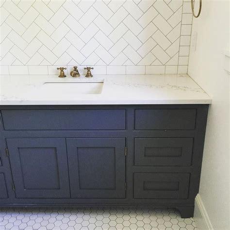 whitewash kitchen cabinets photos 587 best images about design bath on 1493