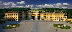 Schönbrunn Palace • Tourist Attraction Wien