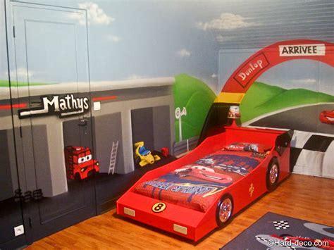 decoration chambre garcon cars chambre cars avec circuit deco