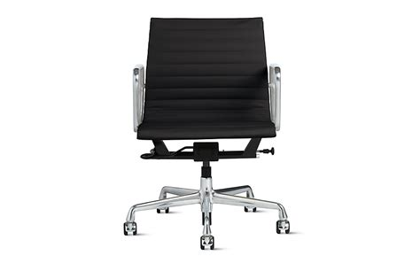 eames aluminum management chair with pneumatic lift