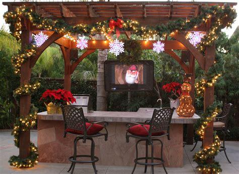 stunning pergola  gazebo christmas decorations