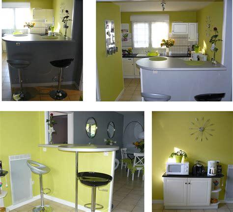 cuisine gris clair et blanc couleur des murs et de la déco avec sol gris clair et