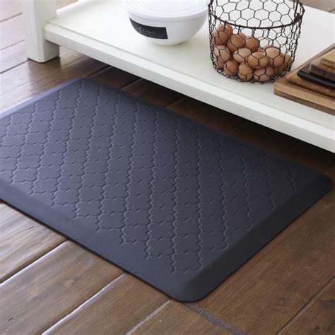 kitchen rugs and mats wellnessmats 174 trellis williams sonoma