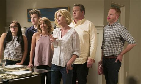 modern family season 8 modern family season 8 episode 1 photos a tale of three cities seat42f