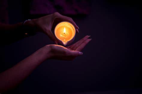 massaggio con candela estetica fior di loto la scelta per i massaggi a