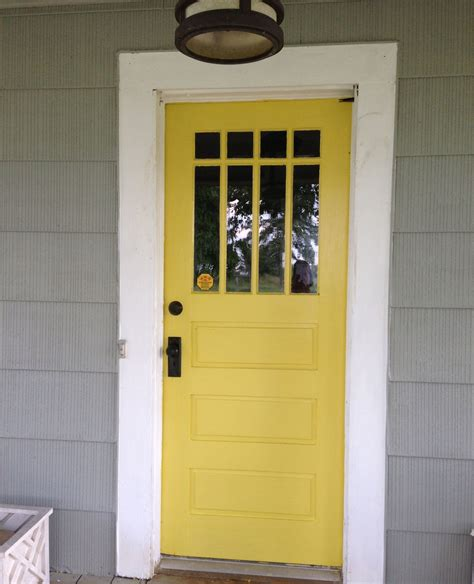 yellow front door by valspar fall meadow decorating