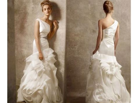 Vera Wang Vera Wang One Shoulder Style V Size 2 Wedding