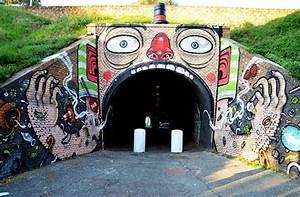 The wacky street art of mr thoms enpundit for Mr thoms street art