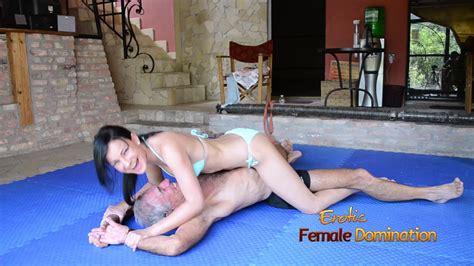 Erotic Female Domination Alter Mann Und Junge Frau Haben