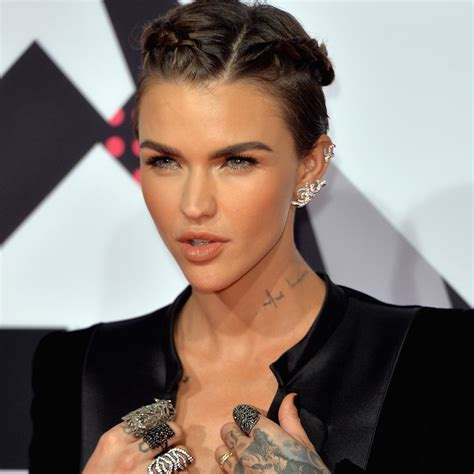 Ruby rose long hair ? fashion inspiration for most women