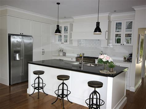 Hampton/Country Kitchens