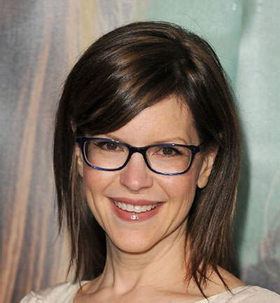 4 Hairstyles for the Over 50 Women with Glasses