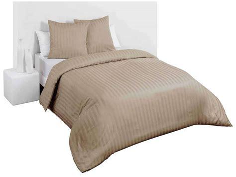 parure de lit housse 2 taies 240x220cm satina vente de parure de lit 1 personne conforama