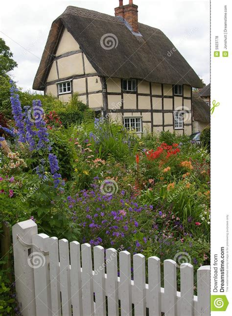 Cottage Inglese Cottage Inglese Fotografia Stock Immagine Di Cottage