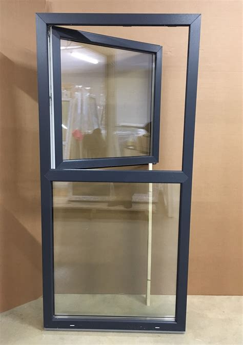 pvc window   horizontal partition upper part  openable bottom part  fixed jonas vinduer