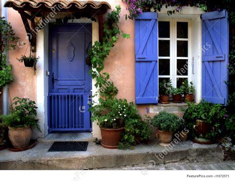 photo  blue door  provence france