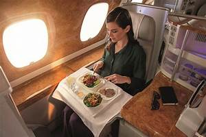 Emirates A380 business class review: What's all the fuss ...