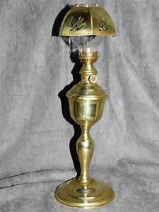 Lampe En Cuivre : ancienne lampe a essence gardon avec son abat jour hirondelle en cuivre lampes a petrole ~ Carolinahurricanesstore.com Idées de Décoration