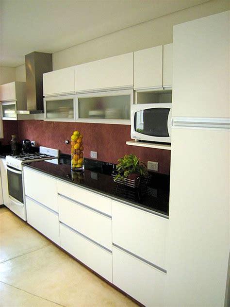 mueble de cocina realizado  medida en melamina blanco
