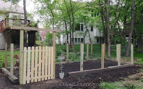 Creative Easy Garden Gate Ideas With Regard To Inspiration