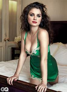Eve Hewson Knows How To Break Up A Bar Fight Photos GQ