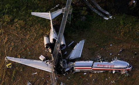 Airplane Standing Still In Air by American Flight 1420 Dietrichduke Com