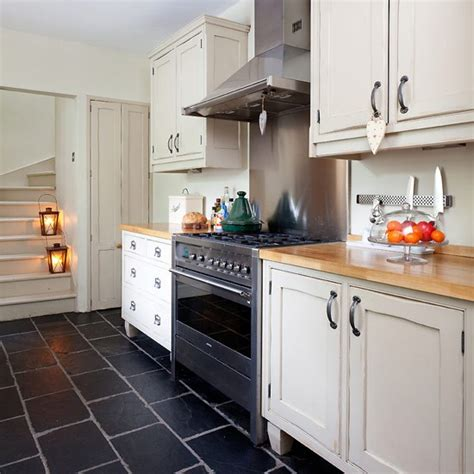 kitchen flooring ideas uk country kitchen pictures house to home