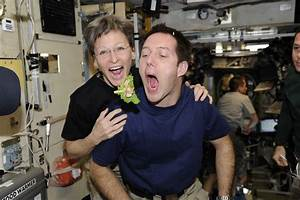 You Won't Believe the Weird Foods Astronauts Eat in Outer ...