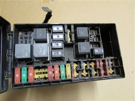 ford focus oem main fuse relay box chech