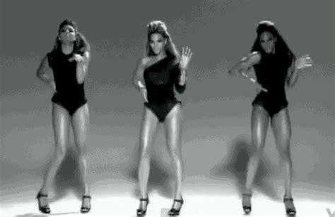 Résultat d'images pour gif danse