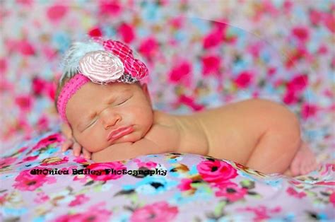 newborn baby girl pose photo shoot photography session