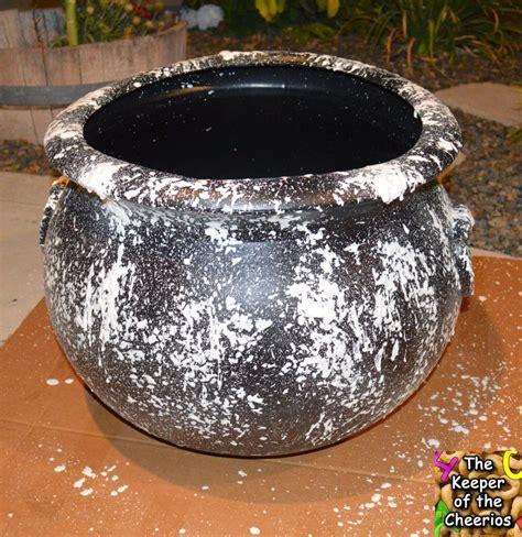 diy halloween cauldron  keeper   cheerios