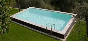 Le tas d'idée de piscine semi enterrée