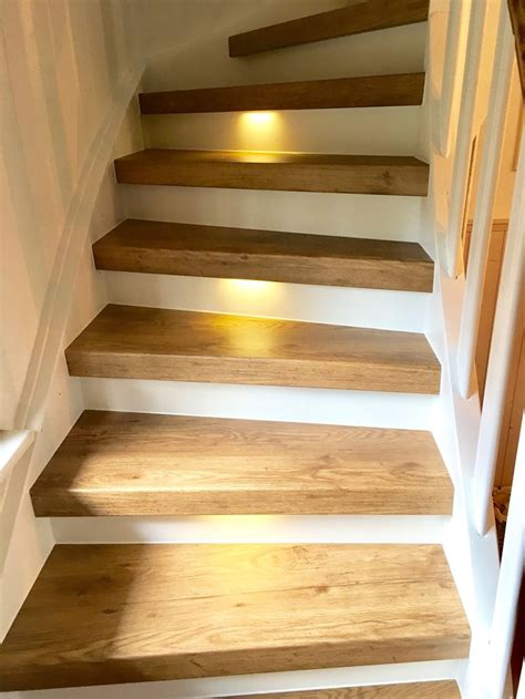 holztreppe selber renovieren treppenrenovierung und treppensanierung vinylstufen vinyltreppen alte treppe neu gestalten