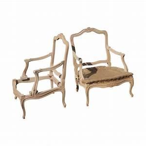 Fauteuil Ancien Bergere : fauteuil berg re de style louis xv laqu en blanc sculpt garnissage traditionnel coussin en ~ Teatrodelosmanantiales.com Idées de Décoration