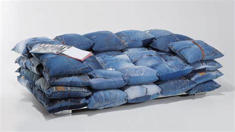 canape design tissu la décoration en jean denim à la conquête de la maison